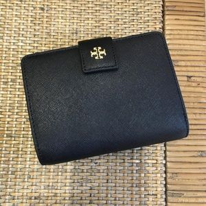 Tory Burch Emerson French fold Wallet Black